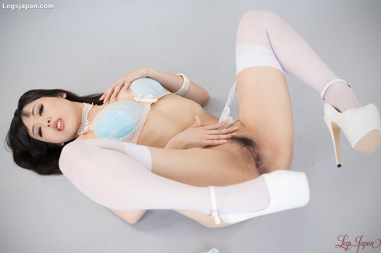 Tokyo Ashi fetish Idol Natsuki Yokoyama - Tokyoashi.com