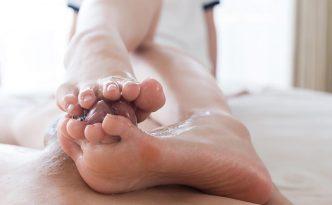 Yuka Shirayuki, Schoolgirl, Skirt, Footjob, Cumshot, Assjob, Leg rub, Fingering, Tickling, Masturbation, Bukkake